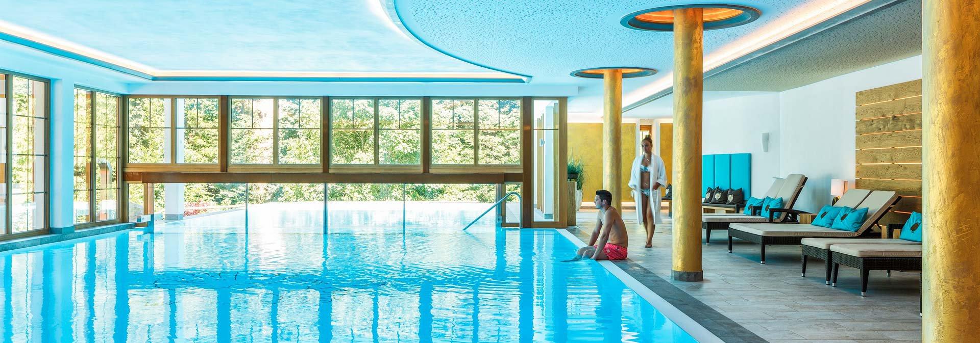 H tel 4 avec sauna en for t noire h tel forsthaus auerhahn for Hotel avec piscine foret noire